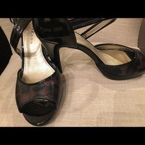 Size 8 never worn Anne Klein